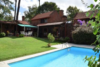 Hermosa Y Muy Cómoda Residencia En Barrio Cantegril !!
