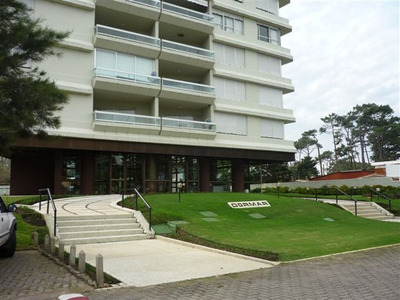 Apartamento Impecable, Frente A Punta Shopping