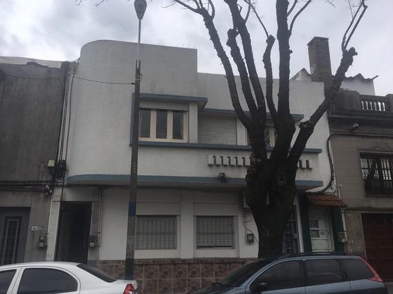 Casa En Planta Alta Al Frente, Próxima Av. San Martín!