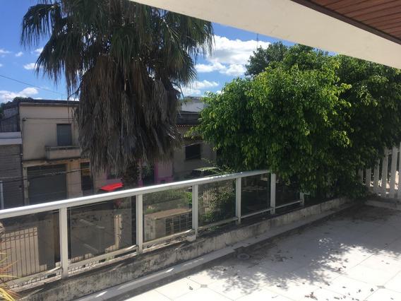 Casa Centro Canelones, Muy Cerca De Plaza, 4 Dorm., 2 Baños