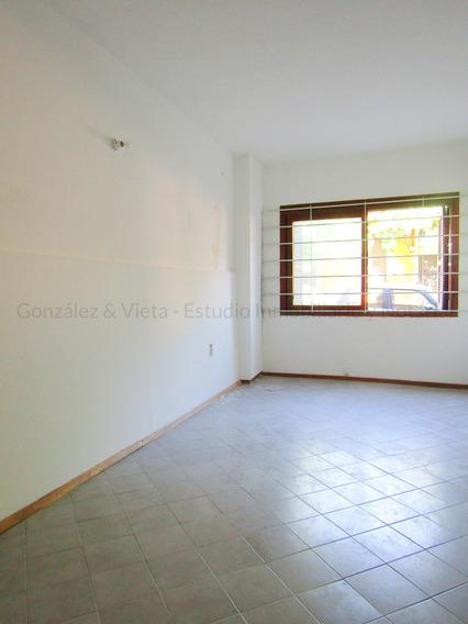 Se Alquila Apartamento Dúplex De 1 Dormitorio En Cordon Sur