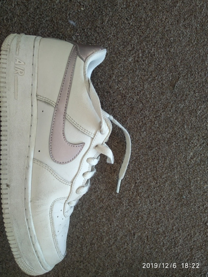 Nike Aire Force 1 Beige/gold Metálic. Poco Uso. Talle 37