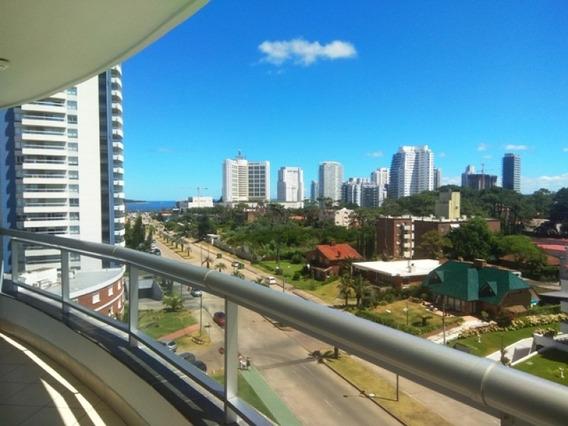 Apartamento De 3 Dormitorios A Pasos De La Playa Con Amenities Y Vista Al Mar -ref:1210
