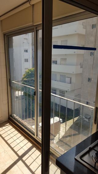 Apartamento 2 Dormitorio Pocitos 2 Baños Garaje Con Balcón