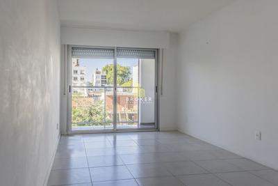 Apartamento De 1 Dormitorio Y Garage En Puerto Del Buceo