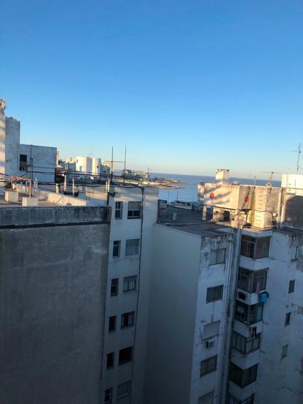 Gran Apartamento En El Corazón De Pocitos ,con Buen Garage.