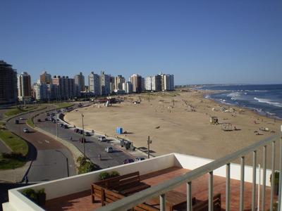 Peninsula Frente A Playa Brava A 1 Cuadra De Gorlero