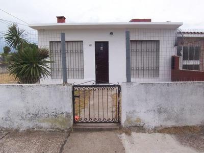 Casa Esquina Godoy Y Ruffino Dominguez