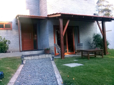 Atlantida Hermosa Casa Como A Estrenar 3 Dorm. 3 Baños