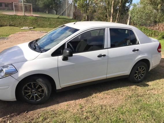 Nissan Tiida Sedan 4 Puertas