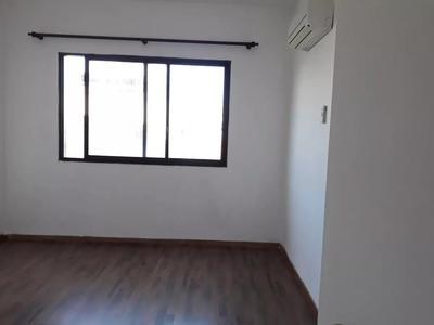 Excelente Apartamento En Ciudad Vieja