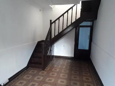 Casa 2 Dormitorios Con Terraza, Pocitos Nuevo
