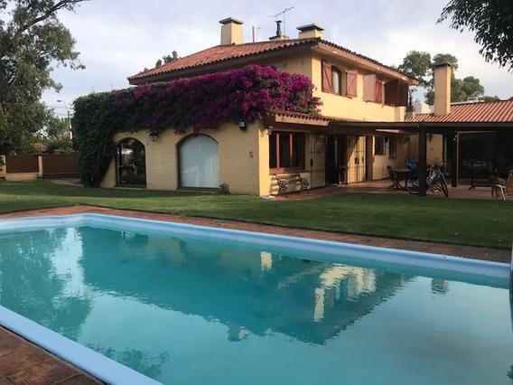Casa Con Buen Jardin En Parque Miramar