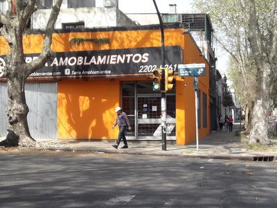 Oportunidad, Local Comercial En Avenida General Flores