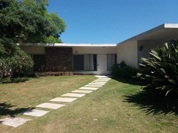 Venta De Casa 3 Dormitorios En Playa Mansa, Punta Del Este.