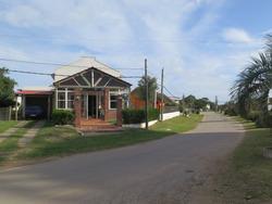 Punto Río   Gran Local Comercial Con Vivienda