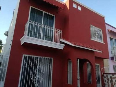 Se Vende Casa En Fracc. Los Arcos 2