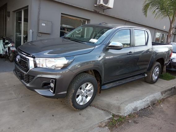 Toyota Hilux 2.4 D.cab. T.dsl Sr 4x4 2019
