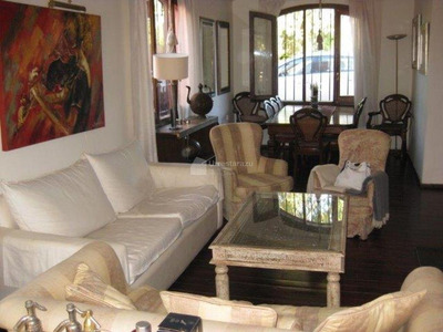 Estupenda Casa Con Gran Potencial En Parque Miramar