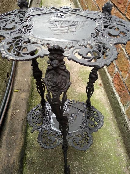 Pedestal De Hierro Antiguo