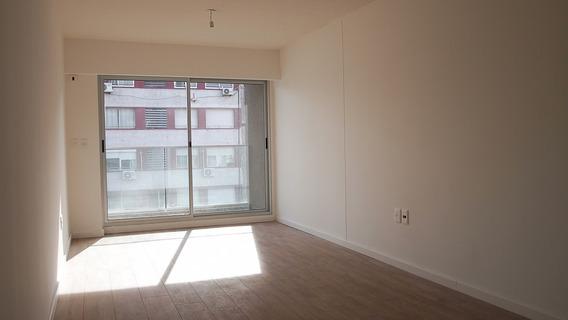 Apartamento En Venta 3 Dormitorios Y Garaje