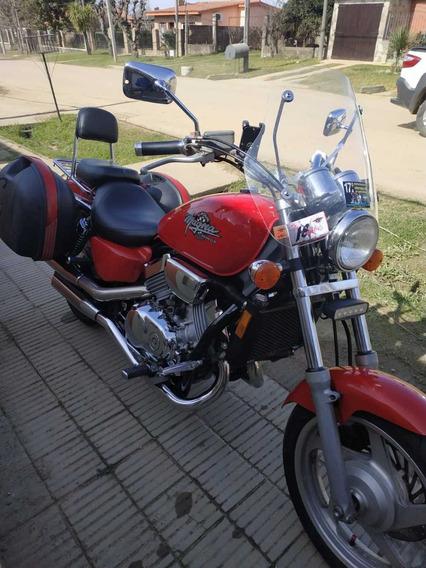 Honda Magana 750
