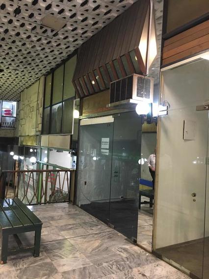 Alquilo Local Comercial En Galería Delondon.