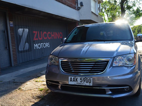 Chrysler Town & Country 3.6 Limited | Zucchino Motors