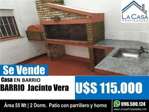 Luminosa Casa De 2 Dorm. Y Patio Con Parrillero Y Hornito