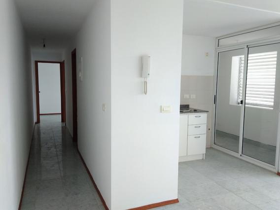 Apartamento De 2 Dormitorios, 4to Piso, En Torre San Carlos