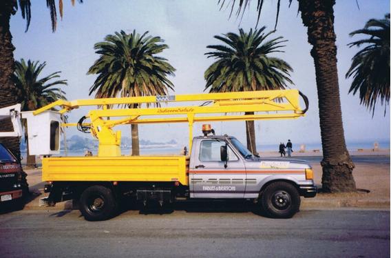 Camion Con Hidroelevador Para Trabajos En Altura Hasta 12 M