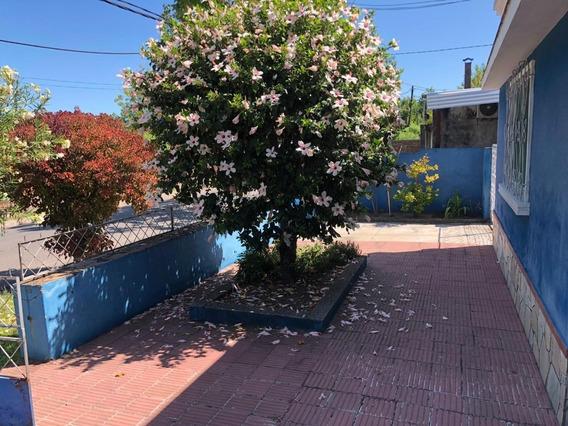 Casa En Muy Linda Zona (id: 10135)