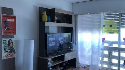Apartamento 2 Dormitorios - Centro De Trinidad Último Piso