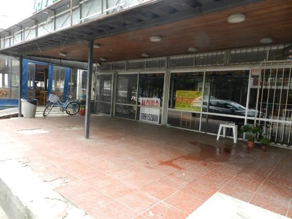 Atlantida Centro Local Para Chiviteria O Gastronimia