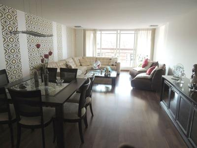 Apartamento En Venta De 3 Dormitorios Y Servicio. Echevarriarza Y L A De Herrera