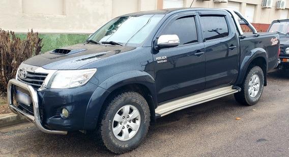 Toyota Hilux 3.0 Cd Srv Cuero Tdi 171cv 4x4 5at 2013