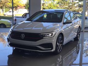 Volkswagen Vento 2.0 Gli 230hp