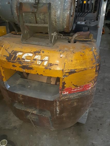 Vendo Autoelevado/montacarga Tcm Para 2500kg Nafta/ Gas