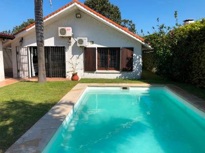 Muy Buena Casa En Playa Mansa Parada 20 A 2 Cuadras Del Mar