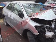 Toyota Yaris 2014 1.5 Litros 4 Cil Core Sedan Automático Por