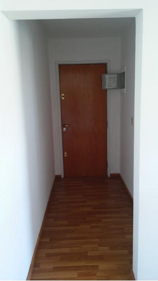 Apartamento De 2 Dormitorios Impecable Estado