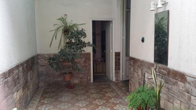 Casa En Centro Montevideo. Gran Oportunidad
