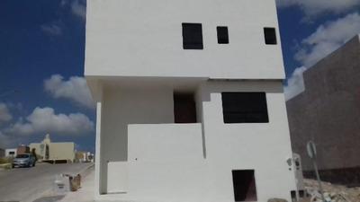 Compra Hermosa Casa En Villa Magna!!