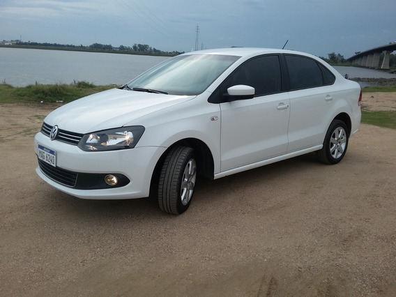 Oportunidad! Volkswagen Polo 1.6 Highline 2015 Sedán Blanco