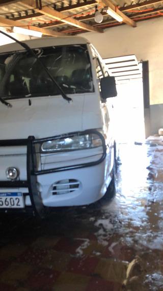 Hyundai H100 2.5 15 Pas Spr Minibus 2000