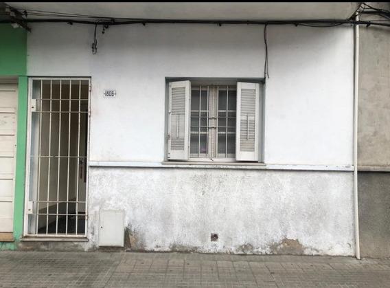 Se Vende Casa De 2dorm, Con Patio Pedernal Y Gral Flores
