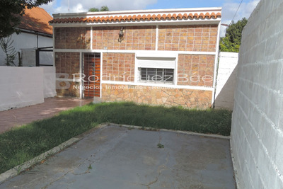 Reservada ! Alquiler Casa Colon Dos Dormitorios Patio