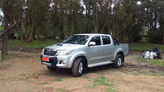 Toyota Hilux 3.0 Cd Srv Tdi 171cv 4x2 - B3 2015