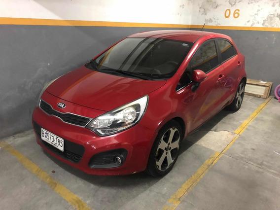 Kia Rio 5 Puertas 6 Airbag