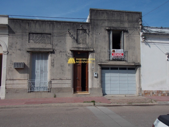 Venta De Casa En Paysandú -con Patio, Fondo Y Garaje. 4 Dorm